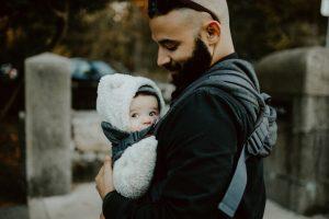 De baby draagzak